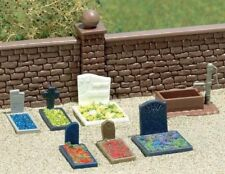 Busch 7662 - Pre Painted Assorted Grave Stones Set on Base - H0/00 Scale T48Post