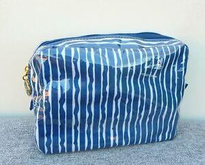 ESTEE LAUDER Blue & White Waterproof Makeup Cosmetic Bag, Brand NEW!