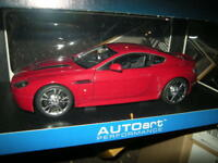 1:18 Autoart Aston Martin V12 Vantage 2010 rot/red Nr. 70208 in OVP