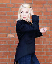 Kim Wilde UNSIGNED photo - 8654 - GORGEOUS!!!!!