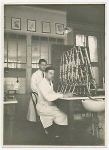 U255 Photographie originale vintage ancien Laboratoire Science