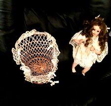 Hanté La poupée en porcelaine
