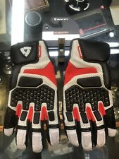 Revit Sand Pro Gloves FGS079-4020-M Red Grey Medium