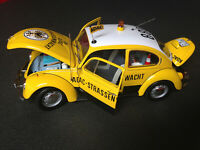 VW Käfer 1300 1969 Beetle ADAC Minichamps 1:18