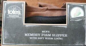 New nib Totes Tootsies Mens L 9 10 brown memory foam slippers warm soft lining