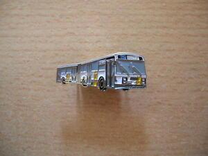 Pin Bus Gelenkbus De Lijn Belgien 2208 gelb yellow Art. 6091