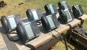 Mitel 5320 IP Phones X 8 - All With Stands