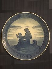 "Royal Copenhagen 1958 Annual Christmas Plate ""Sunshine Over Greenland�"