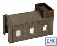 44-0002 Scenecraft OO/HO Gauge Stone Engine Shed with Tank