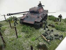 NEW  GERMAN  PANTHER  TANK &  INFANTRY  IN  ACTION !  BUILT  SCENE  1.35 SCALE