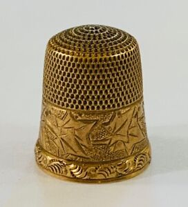 Antique 10k Gold Simons Brothers Sewing Thimble Floral Leaf Size 9 with Case