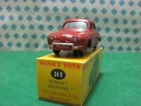Vintage  -  RENAULT  DAUPHINE  - 1/43  Dinky Toys 24E  - Made in France 1957