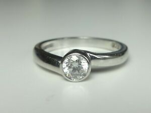 18CT WHITE GOLD 0.34CT G/H SI DIAMOND SOLITAIRE CROSSOVER RING