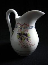 Petit pichet à lait porcelaine à décor de violettes