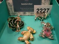 1 Lot Brooches- Danielle's Door- Vintage - New - Fabulous - Mint