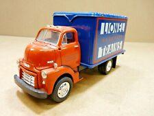 First Gear 1953 GMC Delivery Truck, Lionel Train 1:24, Orange/Blue