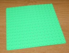 LEGO - Base Plate w/ Rounded Corners - 16 X 16 (5 inch) - Light Bright Green