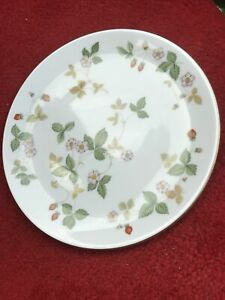 Wedgwood Wild Strawberry Serving Plate 9.5 Inches