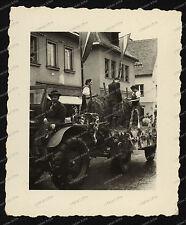 Foto-Judenburg-Steiermark-Österreich-Gebäude-Architektur-Traktor-3