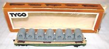 HO--TOY RAILROAD TRAIN CAR--GREAT NORTHERN FLAT CAR WITH WIRE COILS--42953--TYCO