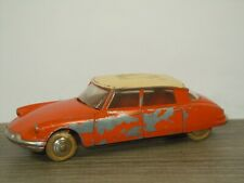 Citroen DS19 - Dinky Toys 24C France *46077