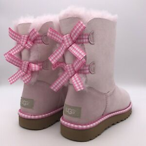 UGG BAILEY BOW GINGHAM RIBBON CHESTNUT SUEDE CLASSIC SHORT BOOTS SEASHELL PINK