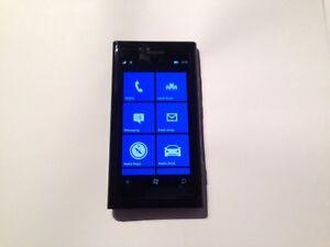 Nokia Lumia 800 - 16GB - Black (Unlocked) Smartphone