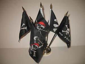 "Jolly Roger JR Pirate 5 Flag Set 5 Flags 4""x6"" Desk Set Table Stick Gold Base"