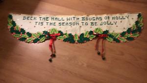 VINTAGE CHRISTMAS Finished Complete Bucilla Felt Sequin RUNNER WALL HANG RARE FS