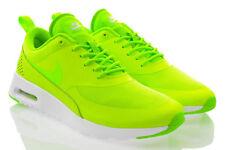 Scarpe da ginnastica verdi tessili marca Nike per donna