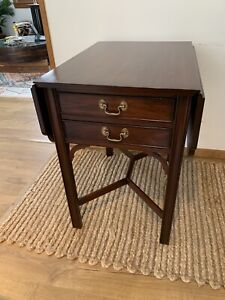 Henkel Harris Pembroke Mahogany Table Stretcher Base Two Drawer Drop Leaf