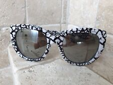 Quay Australia Sunglasses Women's ST CAPRI Black/White Frame NWT Incl. Soft case