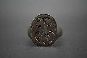 Late Medieval period bronze signet ring with monogram C. 16th century AD