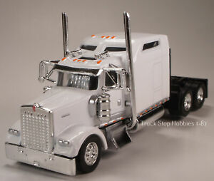 HO 1:87 TSH # 653 Kenworth 900L Tandem Axle Tractor -White