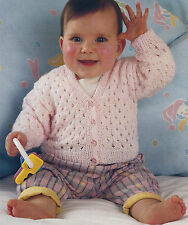 BABY EASY FAST KNIT V NECK CARDIGAN 16/22 INCH KNITTING PATTERN (935)