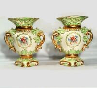 Antique porcelain urns. English. Wedgwood. Late 19th Century. Grass green/ gold.