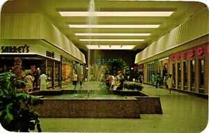 Vintage Postcard - Woodland Mall Southest Grand Rapids Michigan MI #5509