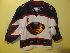 Atlanta Thrashers Team issued 1st year blank jersey - CCM youth Small / medium