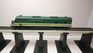 Rivarossi HO Train Flywheel Drive Southern Ry EMD E7 Powered Diesel Locomotive