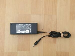 Toshiba laptop AC Adapter PA3516E-1AC3 19v 4.74A