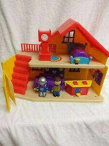 Cbeebies Justin's House Playset With Accessories , Justin, Robert the robot  G10