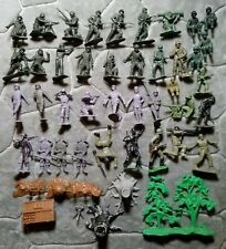 Vintage Marx Battlefield Toy Soldiers Green & Gray Army Men + Extras