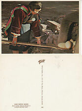 NORTH AMERICAN INDIAN A ZUNI BREAD BAKER UNUSED COLOUR POSTCARD