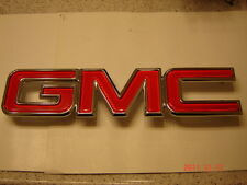 GMC  GRILLE EMBLEM RED & CHROME SIERRA YUKON SAVANNA  NEW FRONT OR REAR