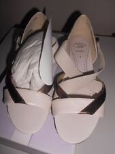 Low (3/4 in. to 1 1/2 in.) Leather Elastic Sandals & Flip Flops for Women