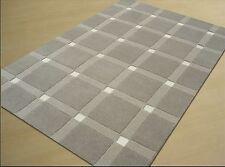 moderner Designer Teppich, 100 % Schurwolle mit Lederapplikation, ca. 160 x 230