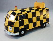 """VW Bus Volkswagen Airport """"Follow Me"""". 1/24 Motormax Model"""