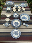 Currier+%26+Ives+Blue+%26+white+dishes+52+piece%2C+incl+10+dinner+plates+cups+saucers