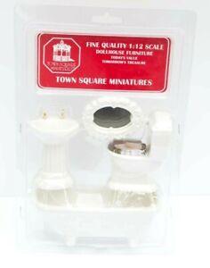 IOB Town Square Miniatures 1:12 Dollhouse BATHROOM Set WHITE 4 pc set
