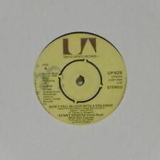 "KENNY ROGERS 'DON'T FALL IN LOVE WITH A DREAMER' UK 7"" SINGLE"